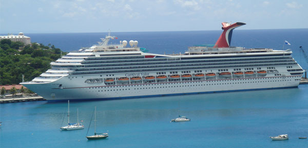 cruise ship in St. Martin
